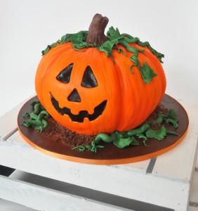 Jack 'O' Lantern Cake