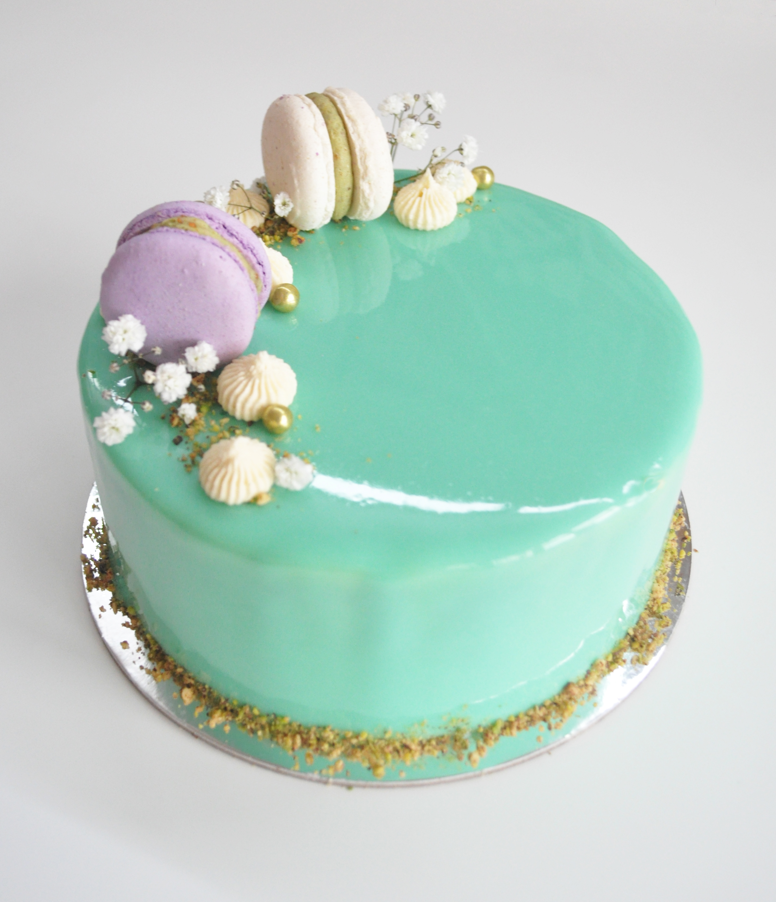 Occasion cakes desserts mad about cakes for Mirror glaze cake